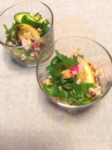 もち麦と甘塩鮭の香味野菜サラダ