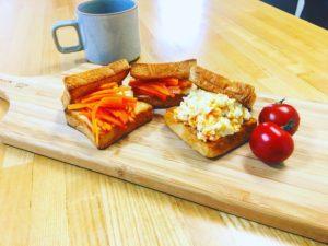 ひよこ豆のフムスとキャロットラペのサンドイッチ