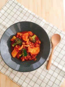 『大豆ミートのベジブラウンシチュー』のレシピ