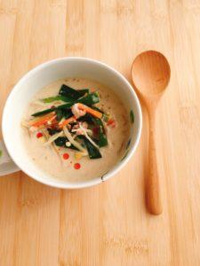 簡単肉味噌で作る坦々風スープのレシピ